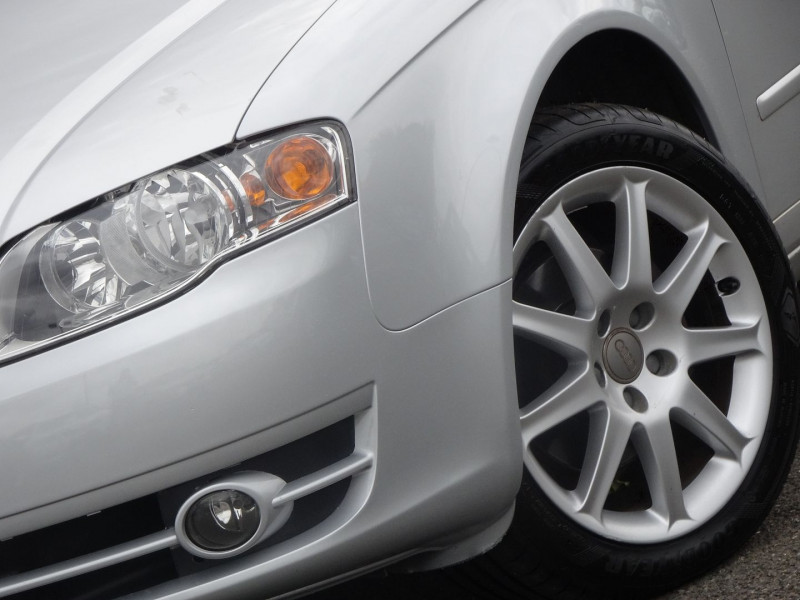 Photo 2 de l'offre de AUDI A4 AVANT 2.0 TDI 140CH AMBITION LUXE à 7390€ chez International Auto Auneau