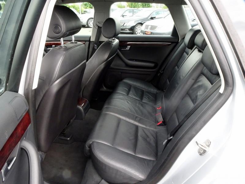 Photo 11 de l'offre de AUDI A4 AVANT 2.0 TDI 140CH AMBITION LUXE à 7390€ chez International Auto Auneau