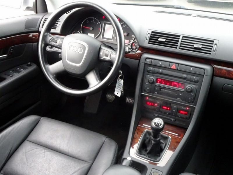 Photo 16 de l'offre de AUDI A4 AVANT 2.0 TDI 140CH AMBITION LUXE à 7390€ chez International Auto Auneau