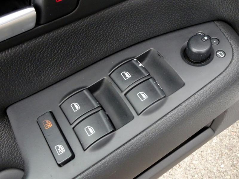 Photo 5 de l'offre de AUDI A4 AVANT 2.0 TDI 140CH AMBITION LUXE à 7390€ chez International Auto Auneau