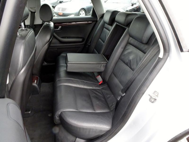 Photo 12 de l'offre de AUDI A4 AVANT 2.0 TDI 140CH AMBITION LUXE à 7390€ chez International Auto Auneau