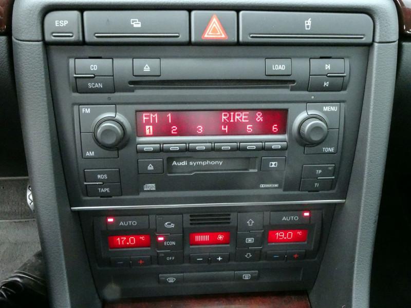 Photo 9 de l'offre de AUDI A4 AVANT 2.0 TDI 140CH AMBITION LUXE à 7390€ chez International Auto Auneau