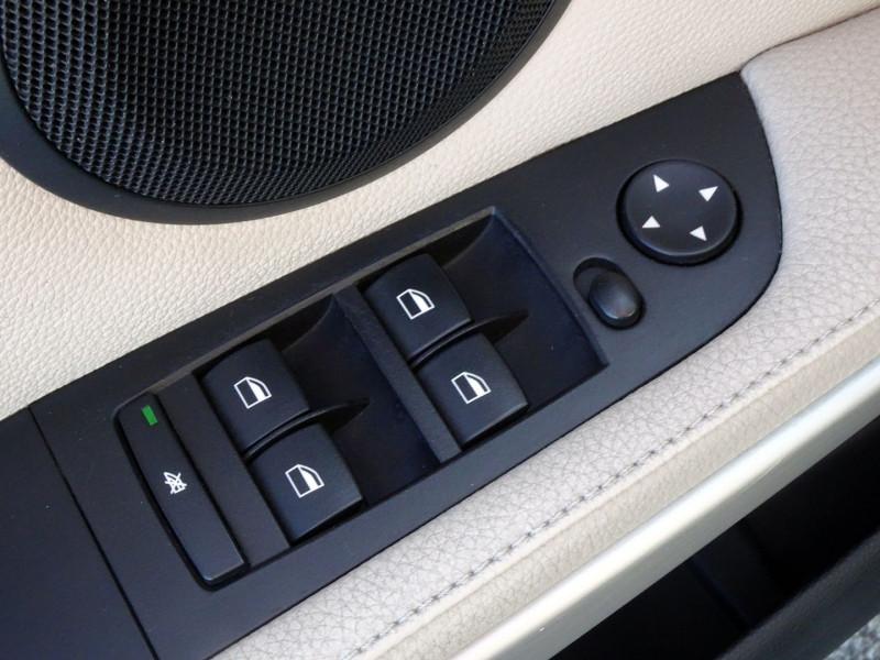 Photo 4 de l'offre de BMW SERIE 3 TOURING (E91) 320D 177CH LUXE à 11290€ chez International Auto Auneau