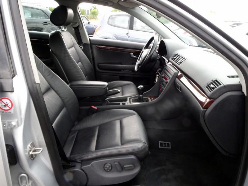 Photo 18 de l'offre de AUDI A4 AVANT 2.0 TDI 140CH AMBITION LUXE à 7390€ chez International Auto Auneau