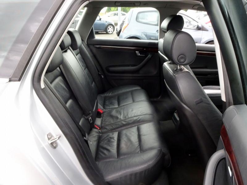 Photo 17 de l'offre de AUDI A4 AVANT 2.0 TDI 140CH AMBITION LUXE à 7390€ chez International Auto Auneau