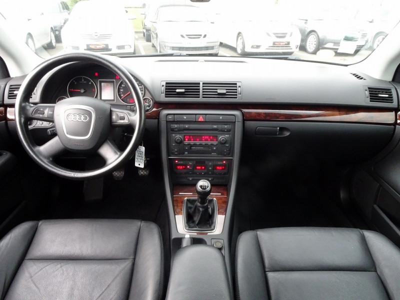 Photo 15 de l'offre de AUDI A4 AVANT 2.0 TDI 140CH AMBITION LUXE à 7390€ chez International Auto Auneau