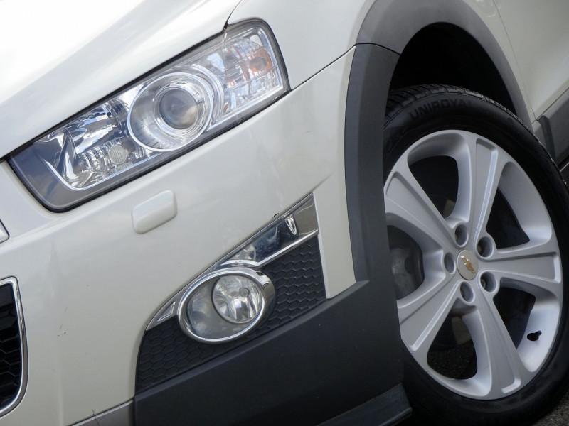 Photo 3 de l'offre de CHEVROLET CAPTIVA 2.2 VCDI184 LTZ BA AWD à 10990€ chez International Auto Auneau