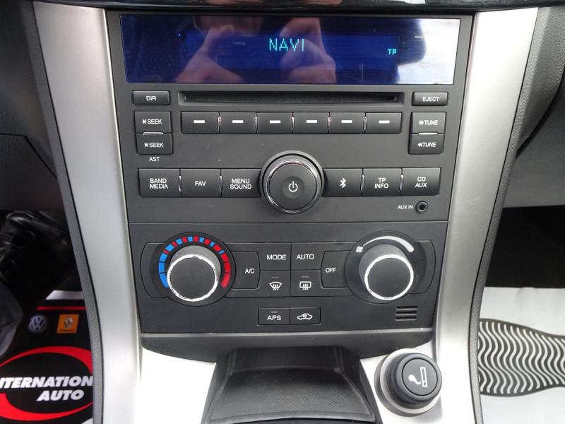 Photo 10 de l'offre de CHEVROLET CAPTIVA 2.2 VCDI184 LTZ BA AWD à 10990€ chez International Auto Auneau