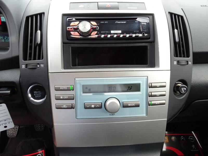 Photo 8 de l'offre de TOYOTA COROLLA VERSO 177 D-4D CLEAN POWER 7 PLACES à 6490€ chez International Auto Auneau