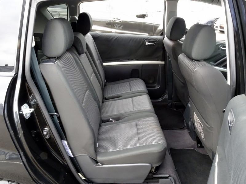 Photo 16 de l'offre de TOYOTA COROLLA VERSO 177 D-4D CLEAN POWER 7 PLACES à 6490€ chez International Auto Auneau