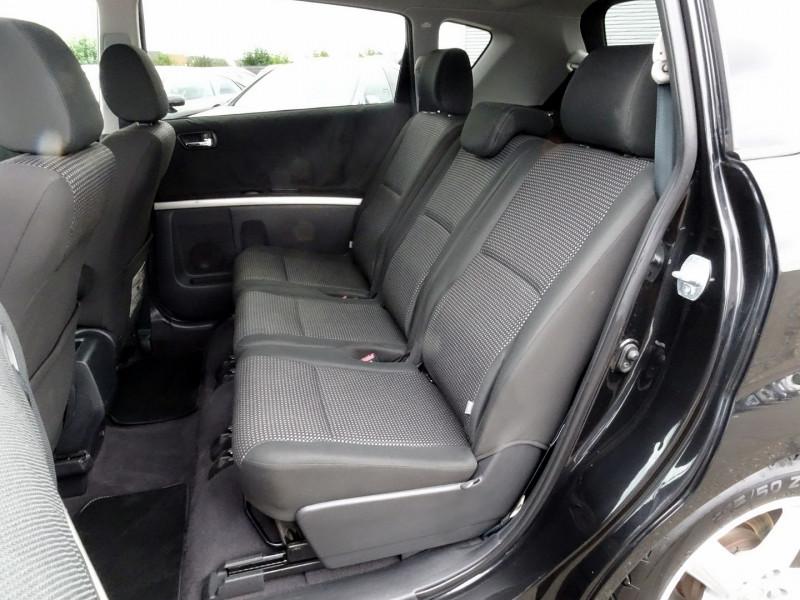 Photo 11 de l'offre de TOYOTA COROLLA VERSO 177 D-4D CLEAN POWER 7 PLACES à 6490€ chez International Auto Auneau