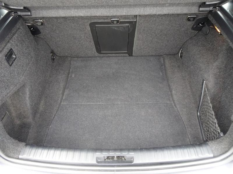 Photo 10 de l'offre de BMW SERIE 1 (E81/E87) 120I 150CH LUXE 5P à 6990€ chez International Auto Auneau