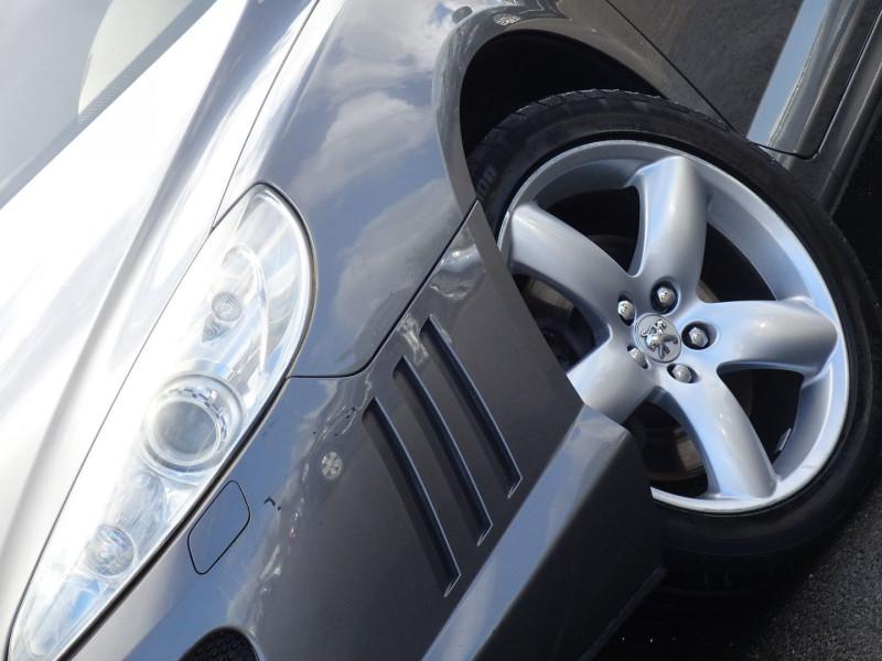 Photo 3 de l'offre de PEUGEOT 407 COUPE 2.7 V6 HDI NAVTEQ BAA FAP à 6990€ chez International Auto Auneau