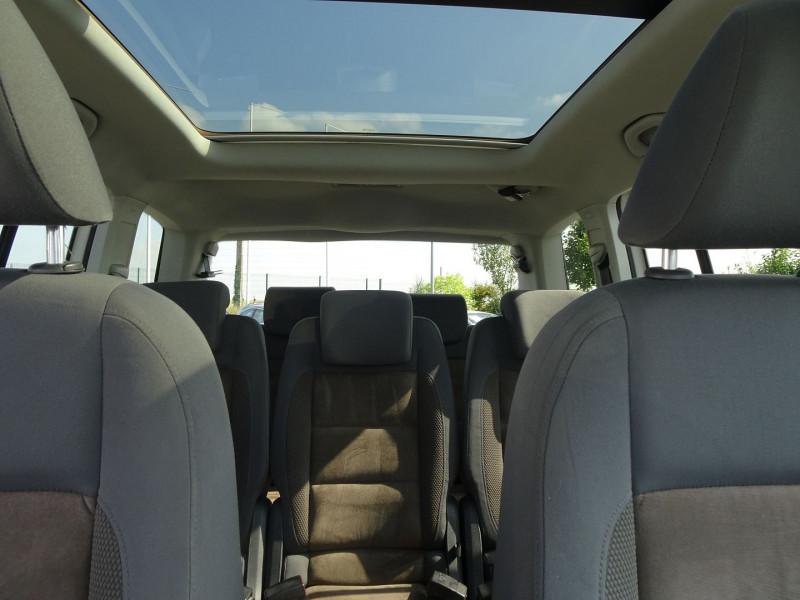 Photo 16 de l'offre de VOLKSWAGEN TOURAN 2.0 TDI 140CH CONFORTLINE 7 PLACES à 8890€ chez International Auto Auneau
