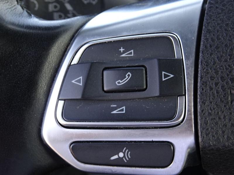 Photo 19 de l'offre de VOLKSWAGEN SCIROCCO 2.0 TDI 140CH FAP CARAT à 11490€ chez International Auto Auneau