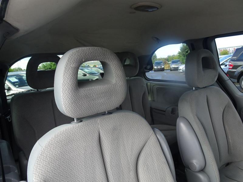 Photo 13 de l'offre de CHRYSLER VOYAGER 2.5 CRD143 LX à 7690€ chez International Auto Auneau