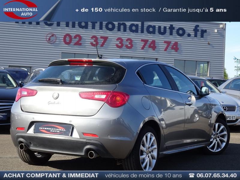 Photo 2 de l'offre de ALFA ROMEO GIULIETTA 2.0 JTDM170 EXCLUSIVE STOP&START ALFA TCT à 11590€ chez International Auto Auneau