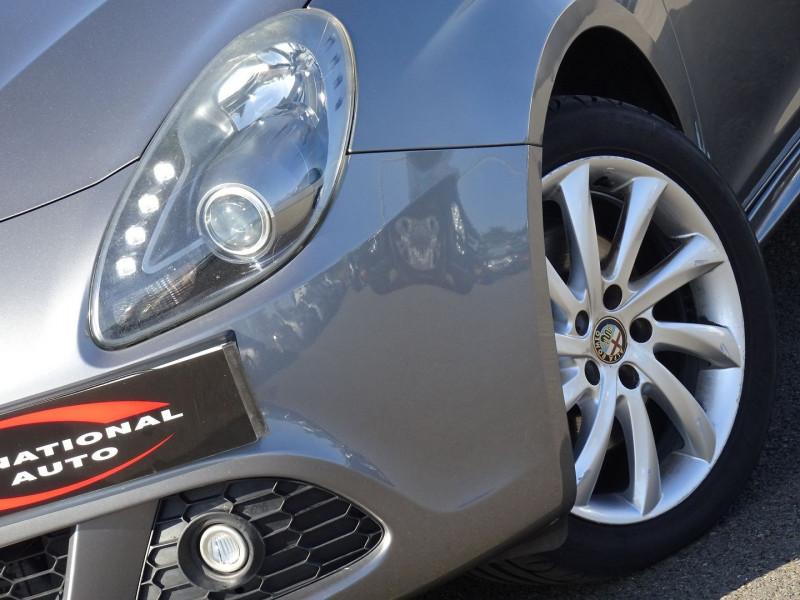 Photo 3 de l'offre de ALFA ROMEO GIULIETTA 2.0 JTDM170 EXCLUSIVE STOP&START ALFA TCT à 11590€ chez International Auto Auneau