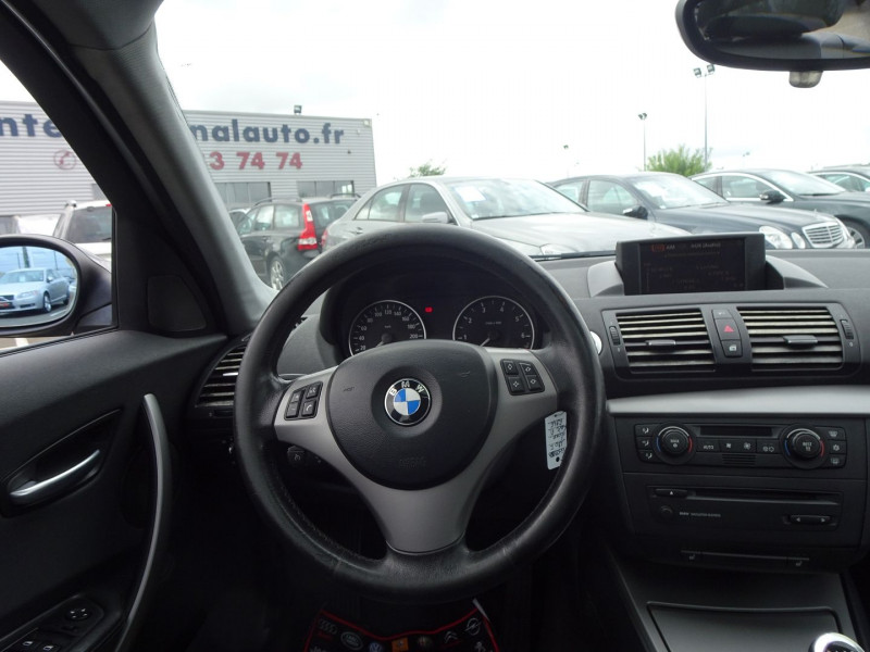 Photo 8 de l'offre de BMW SERIE 1 (E81/E87) 120I 150CH LUXE 5P à 6990€ chez International Auto Auneau