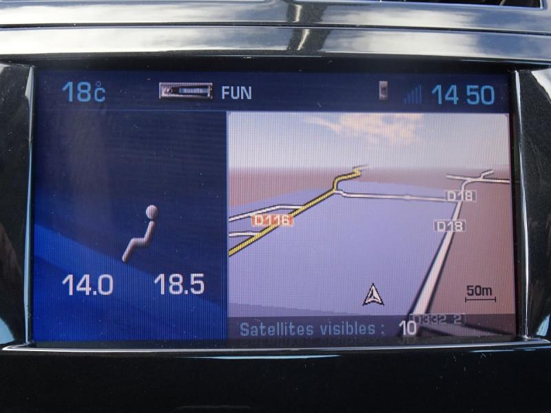 Photo 9 de l'offre de PEUGEOT 407 COUPE 2.7 V6 HDI NAVTEQ BAA FAP à 6990€ chez International Auto Auneau