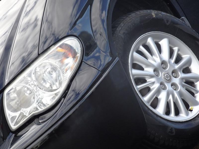 Photo 14 de l'offre de CHRYSLER VOYAGER 2.5 CRD143 LX à 7690€ chez International Auto Auneau