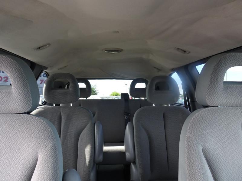 Photo 8 de l'offre de CHRYSLER VOYAGER 2.5 CRD143 LX à 7690€ chez International Auto Auneau