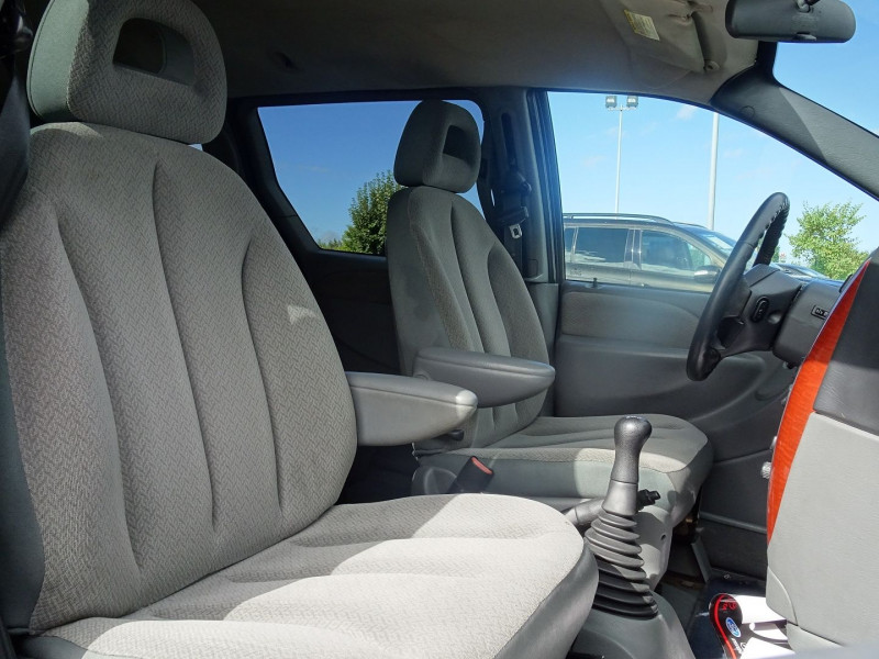 Photo 10 de l'offre de CHRYSLER VOYAGER 2.5 CRD143 LX à 7690€ chez International Auto Auneau