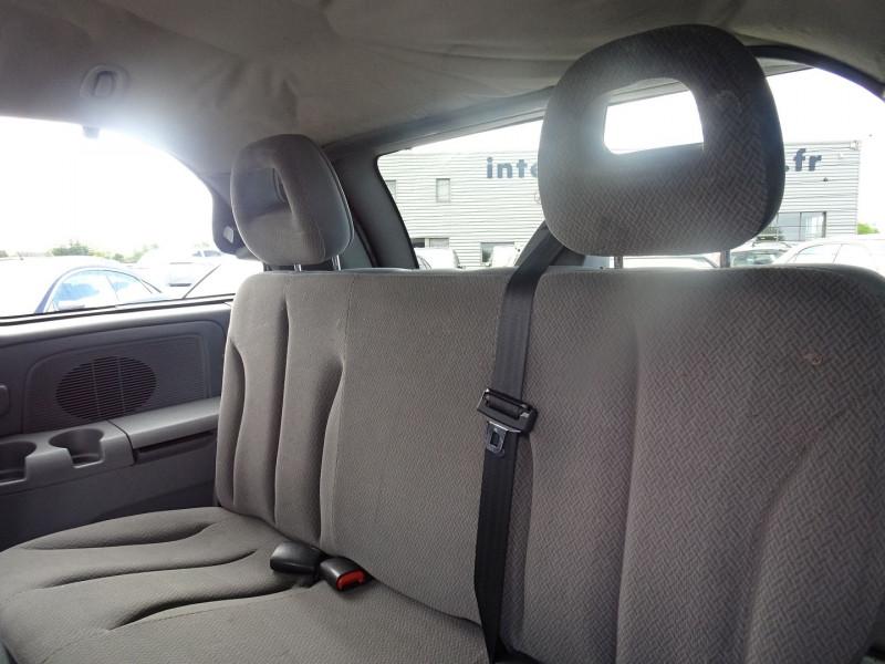 Photo 6 de l'offre de CHRYSLER VOYAGER 2.5 CRD143 LX à 7690€ chez International Auto Auneau