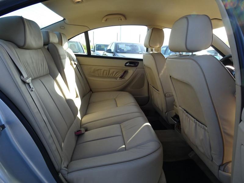 Photo 17 de l'offre de PEUGEOT 607 2.7 V6 HDI EXECUTIVE PACK à 5890€ chez International Auto Auneau