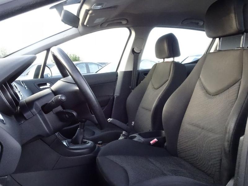Photo 3 de l'offre de PEUGEOT 308 1.4 VTI 16V CONFORT PACK 5P à 5390€ chez International Auto Auneau
