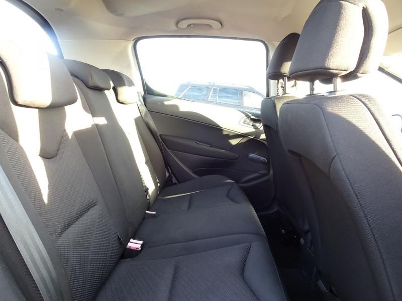 Photo 10 de l'offre de PEUGEOT 308 1.4 VTI 16V CONFORT PACK 5P à 5390€ chez International Auto Auneau