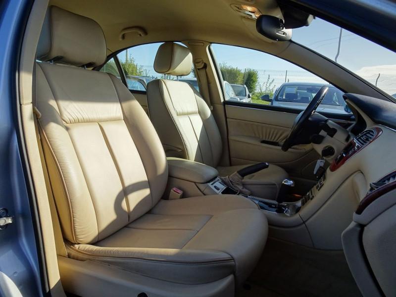 Photo 7 de l'offre de PEUGEOT 607 2.7 V6 HDI EXECUTIVE PACK à 5890€ chez International Auto Auneau