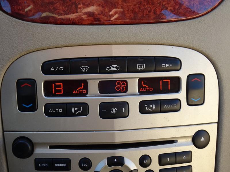 Photo 14 de l'offre de PEUGEOT 607 2.7 V6 HDI EXECUTIVE PACK à 5890€ chez International Auto Auneau