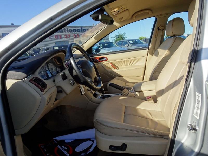 Photo 3 de l'offre de PEUGEOT 607 2.7 V6 HDI EXECUTIVE PACK à 5890€ chez International Auto Auneau