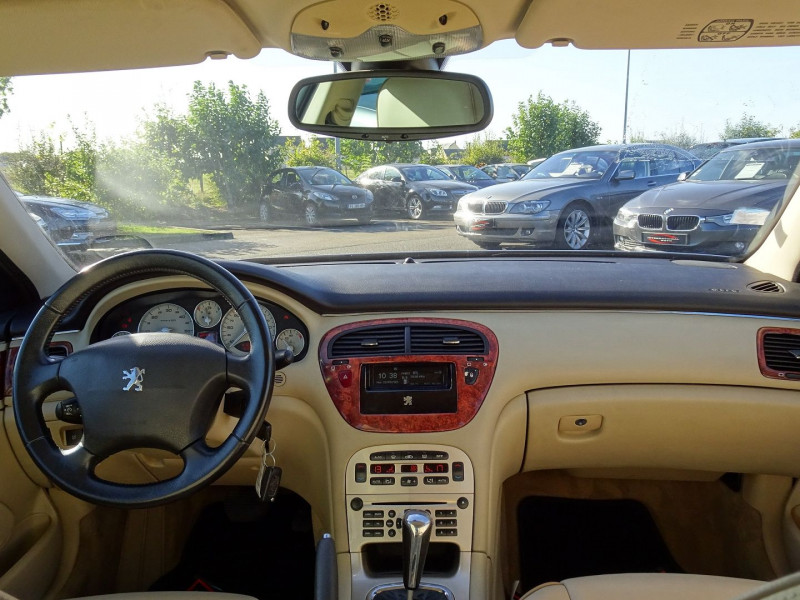 Photo 8 de l'offre de PEUGEOT 607 2.7 V6 HDI EXECUTIVE PACK à 5890€ chez International Auto Auneau