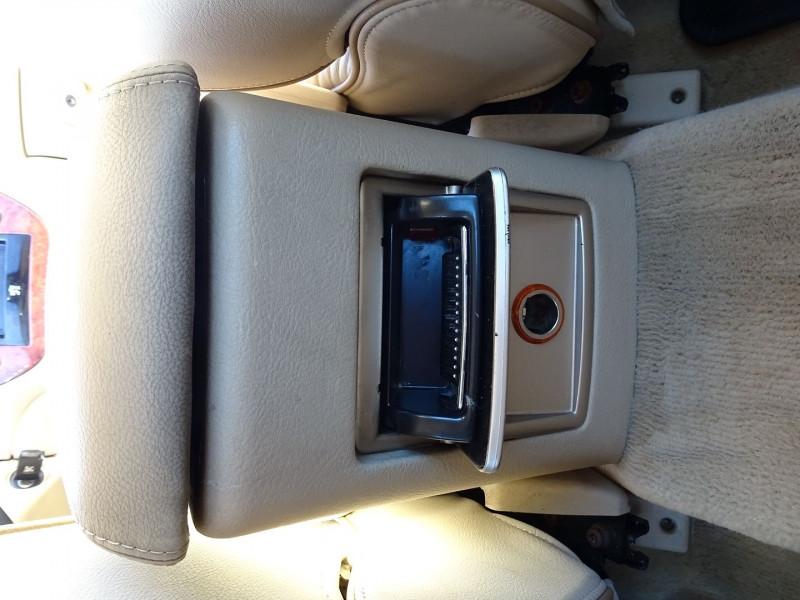 Photo 20 de l'offre de PEUGEOT 607 2.7 V6 HDI EXECUTIVE PACK à 5890€ chez International Auto Auneau