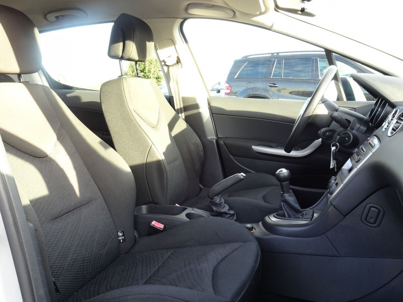 Photo 5 de l'offre de PEUGEOT 308 1.4 VTI 16V CONFORT PACK 5P à 5390€ chez International Auto Auneau