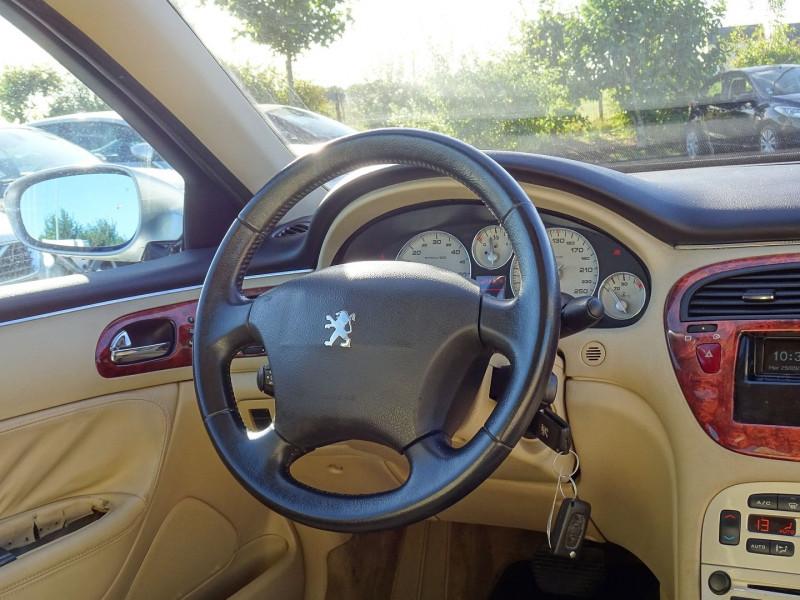 Photo 9 de l'offre de PEUGEOT 607 2.7 V6 HDI EXECUTIVE PACK à 5890€ chez International Auto Auneau