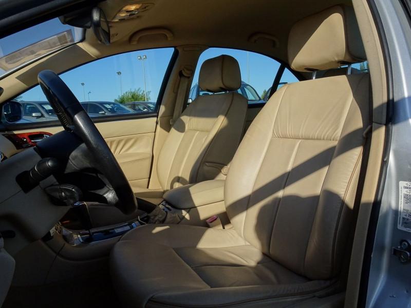 Photo 5 de l'offre de PEUGEOT 607 2.7 V6 HDI EXECUTIVE PACK à 5890€ chez International Auto Auneau