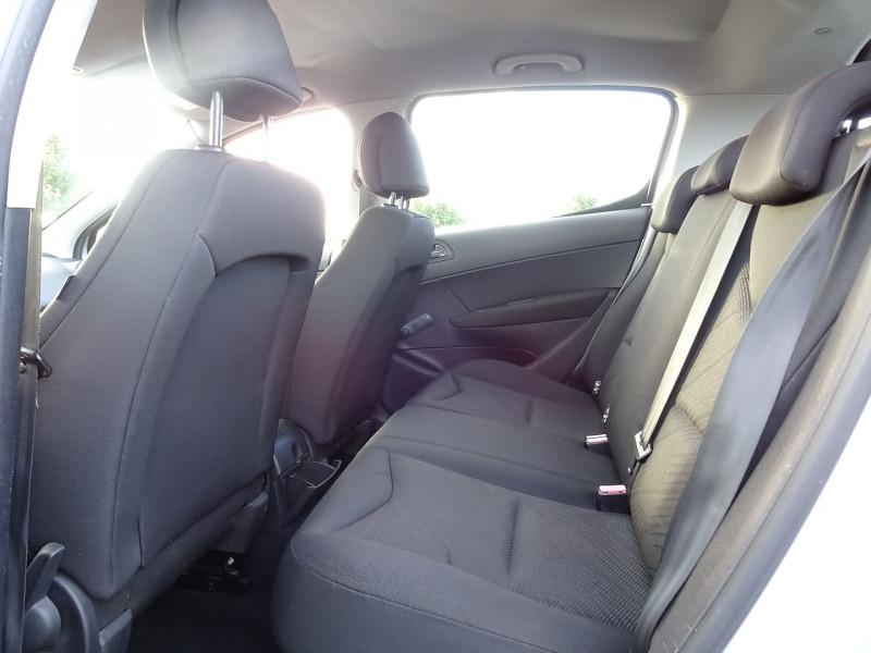 Photo 11 de l'offre de PEUGEOT 308 1.4 VTI 16V CONFORT PACK 5P à 5390€ chez International Auto Auneau