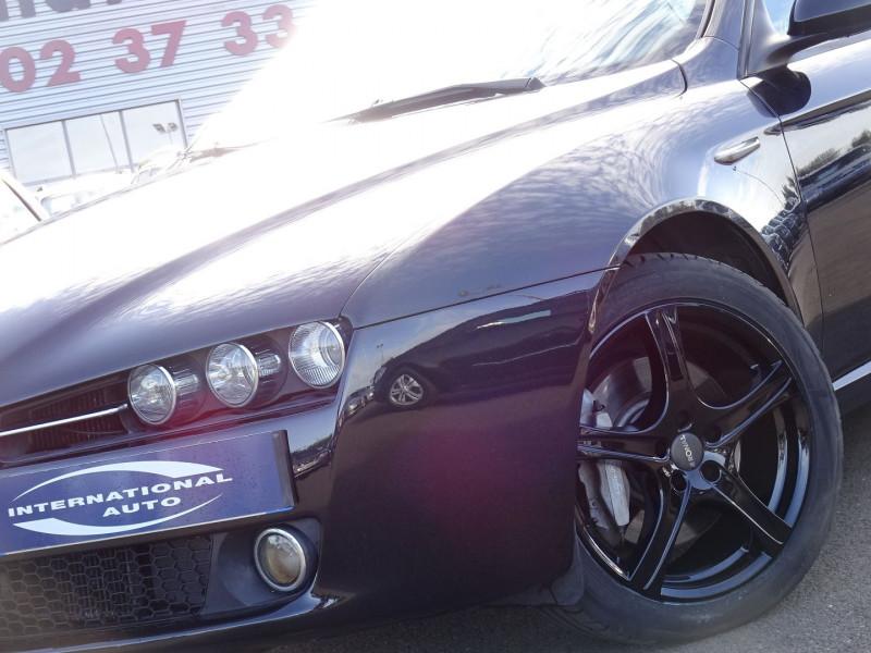 Photo 3 de l'offre de ALFA ROMEO 159 2.4 JTD200 20V DISTINCTIVE  QTRONIC à 8690€ chez International Auto Auneau