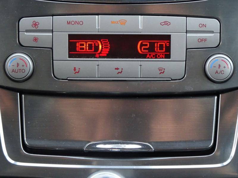 Photo 19 de l'offre de FORD MONDEO SW 2.0 TDCI 140CH DPF TITANIUM à 5790€ chez International Auto Auneau