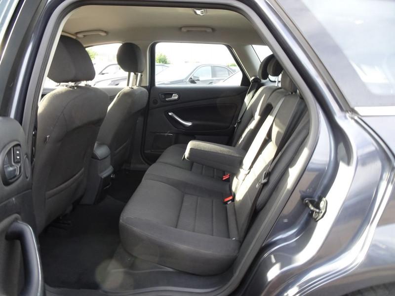 Photo 8 de l'offre de FORD MONDEO SW 2.0 TDCI 140CH DPF TITANIUM à 5790€ chez International Auto Auneau
