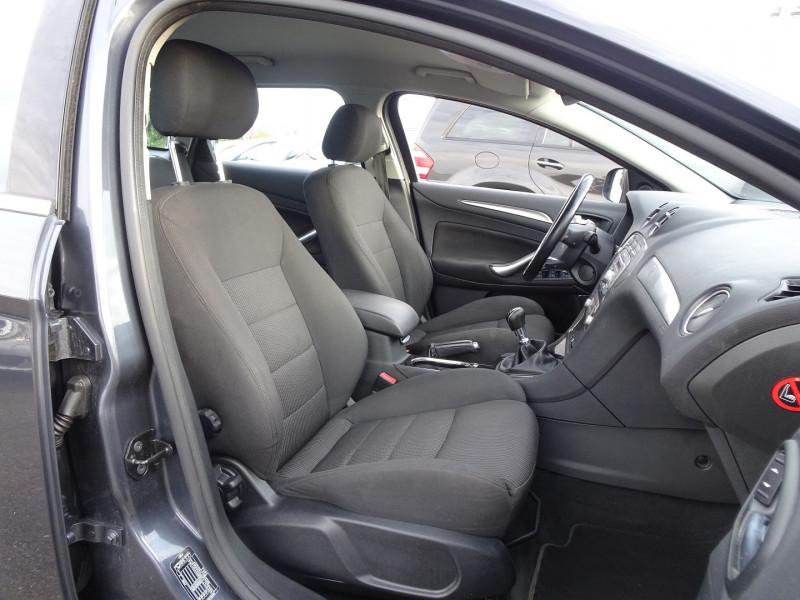 Photo 5 de l'offre de FORD MONDEO SW 2.0 TDCI 140CH DPF TITANIUM à 5790€ chez International Auto Auneau