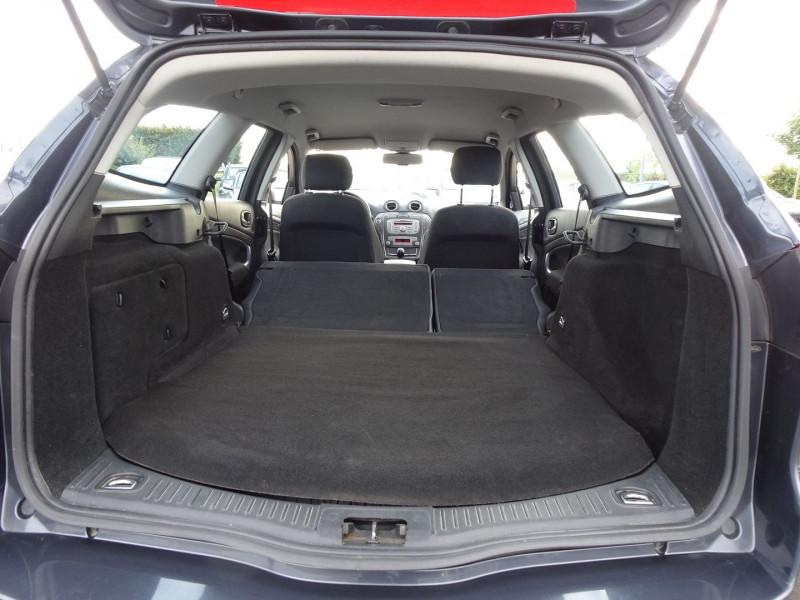 Photo 11 de l'offre de FORD MONDEO SW 2.0 TDCI 140CH DPF TITANIUM à 5790€ chez International Auto Auneau