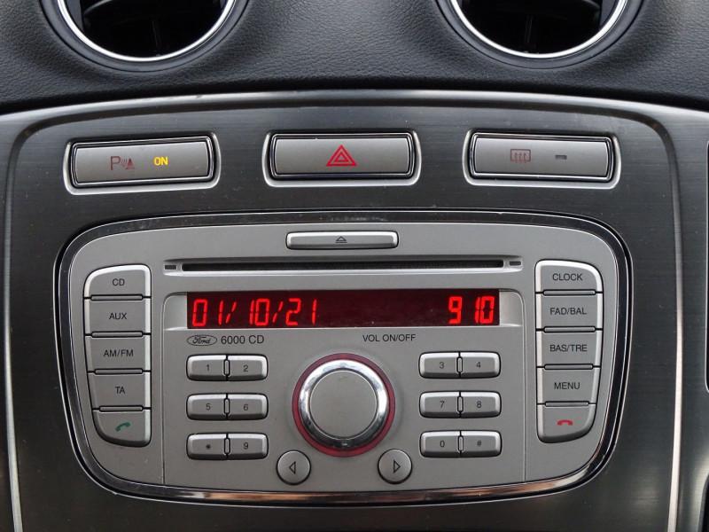 Photo 18 de l'offre de FORD MONDEO SW 2.0 TDCI 140CH DPF TITANIUM à 5790€ chez International Auto Auneau