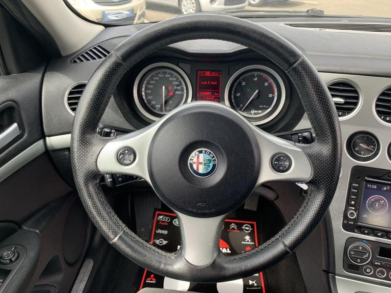 Photo 11 de l'offre de ALFA ROMEO 159 2.4 JTD200 20V DISTINCTIVE  QTRONIC à 8690€ chez International Auto Auneau