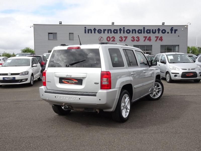 Photo 2 de l'offre de JEEP PATRIOT 2.2 CRD FAP LIMITED à 9690€ chez International Auto Auneau