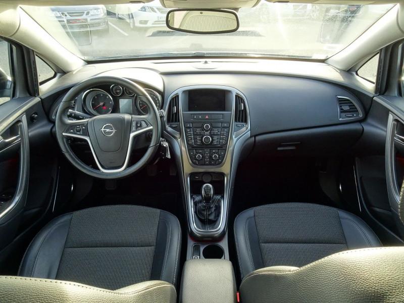 Photo 4 de l'offre de OPEL ASTRA 1.7 CDTI110 FAP COSMO à 7290€ chez International Auto Auneau