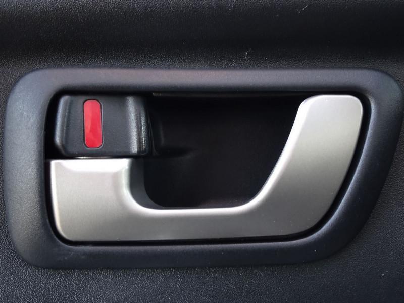 Photo 10 de l'offre de MITSUBISHI PAJERO 3.2 DI-D160 INTENSE BA LONG à 14490€ chez International Auto Auneau
